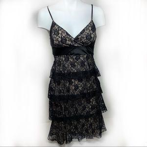 🛍4/20 Le Château Tiered Lace XXS Dress